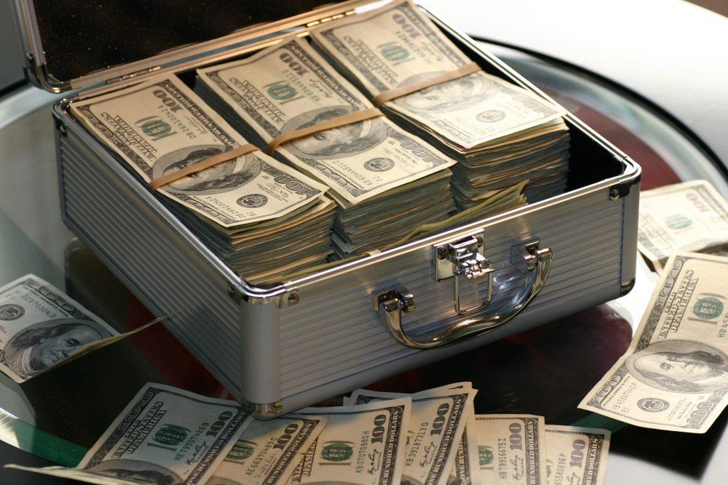 Gyermektartásdíj megállapítása a szülő rendkívül magas fizetése esetében